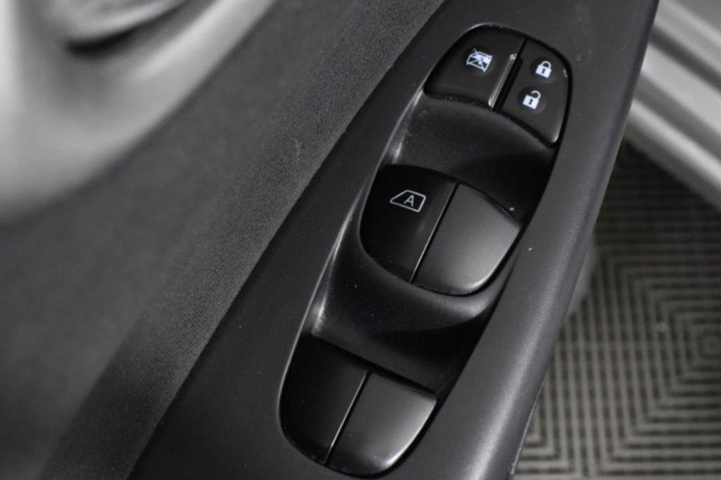 2013 Nissan Sentra 4dr Sedan I4 CVT SV - 18506009 - 21