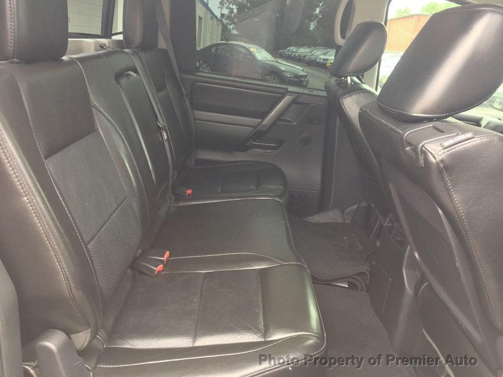 2013 Nissan Titan 4WD Crew Cab SWB SL - 16676262 - 10