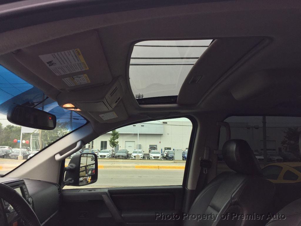2013 Nissan Titan 4WD Crew Cab SWB SL - 16676262 - 14