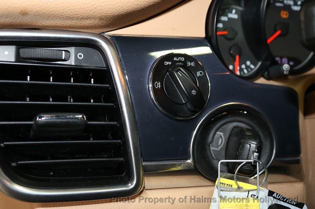 2013 Porsche Panamera 4dr Hatchback - 18571009 - 24