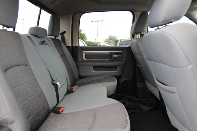 """2013 Ram 1500 2WD Crew Cab 140.5"""" Big Horn - Click to see full-size photo viewer"""