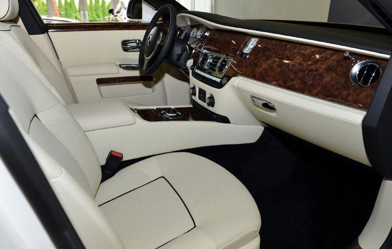 2013 Rolls-Royce Ghost 4dr Sedan - 15445047 - 12