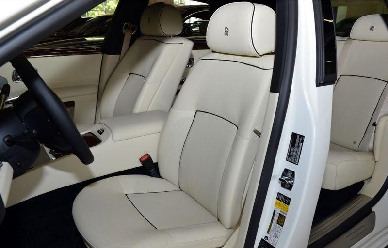 2013 Rolls-Royce Ghost 4dr Sedan - 15445047 - 5