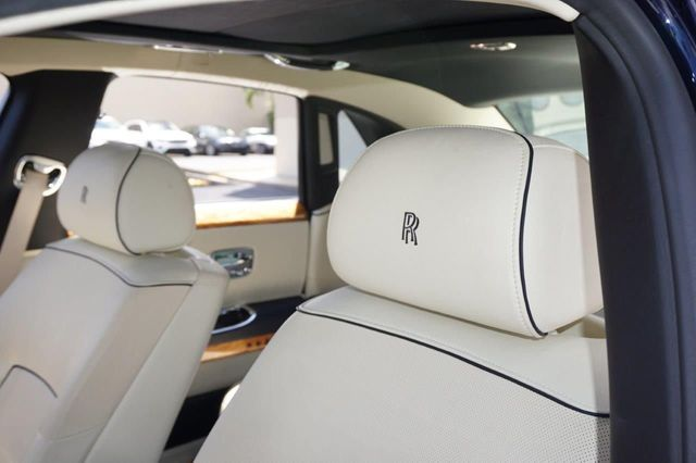 2013 Rolls-Royce Ghost 4dr Sedan - 17514513 - 21