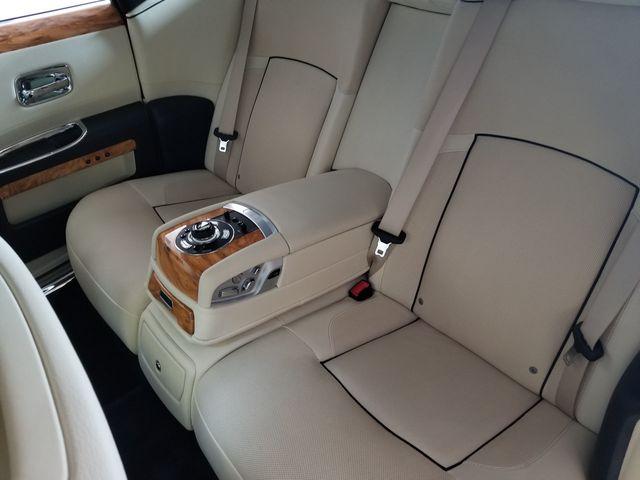 2013 Rolls-Royce Ghost 4dr Sedan - 17514513 - 27