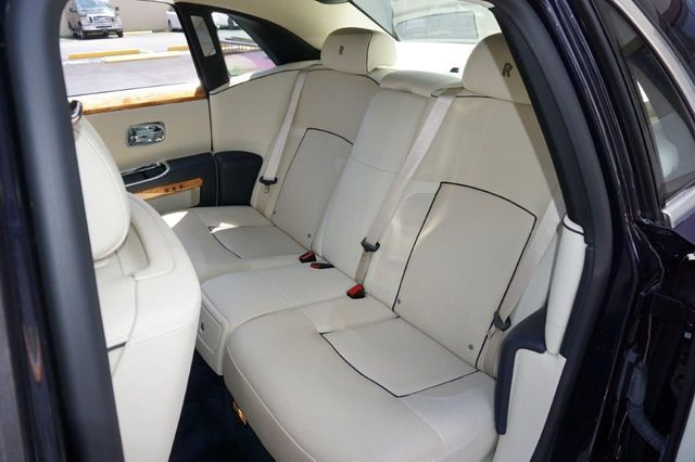 2013 Rolls-Royce Ghost 4dr Sedan - 17514513 - 30