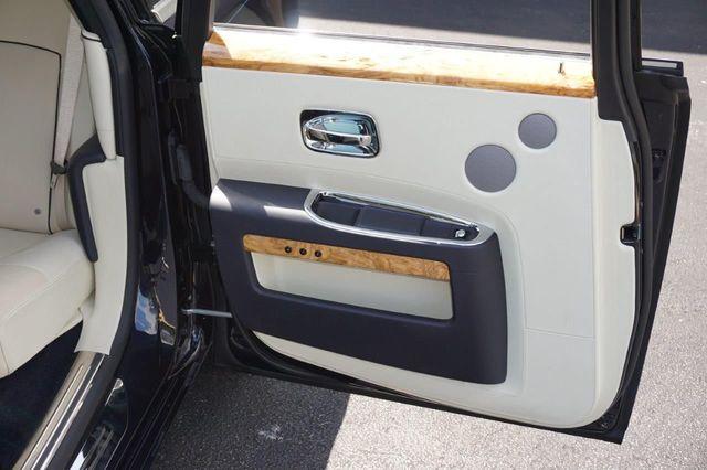 2013 Rolls-Royce Ghost 4dr Sedan - 17514513 - 34