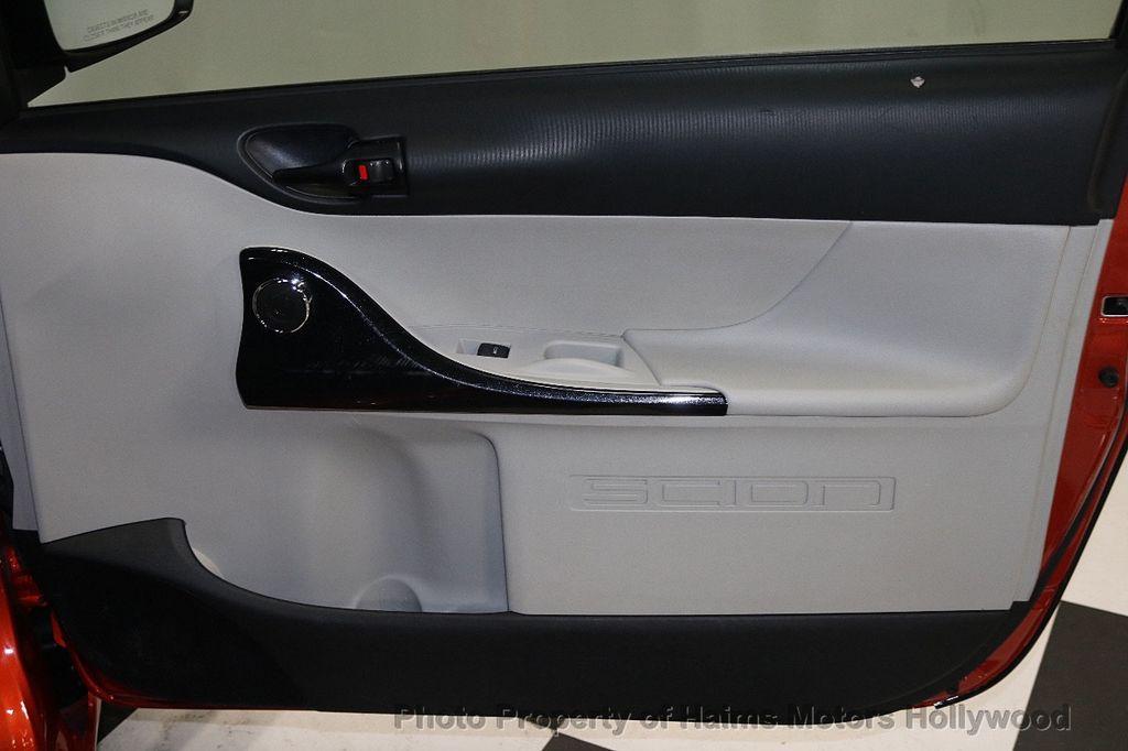 2013 Scion iQ 3dr Hatchback - 17662908 - 10