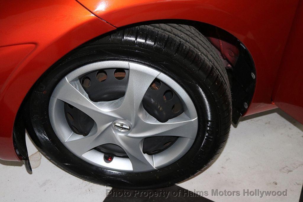 2013 Scion iQ 3dr Hatchback - 17662908 - 25