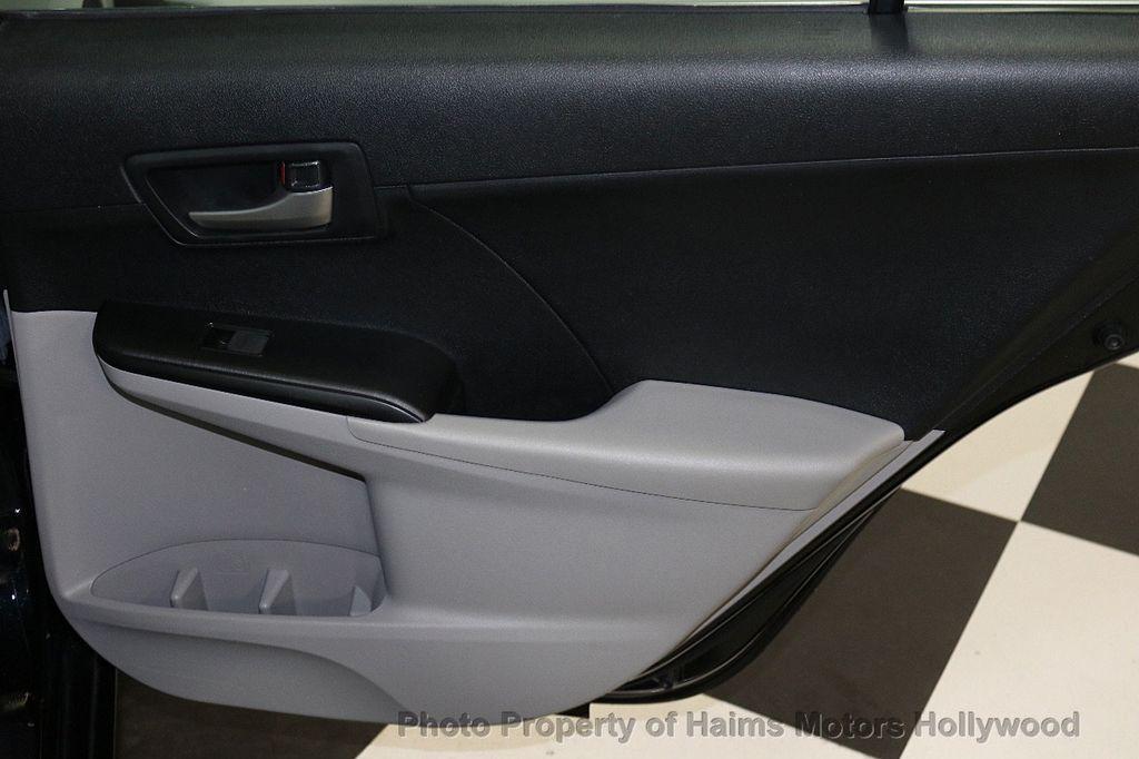 2013 Toyota Camry 4dr Sedan I4 Automatic LE - 17518575 - 11
