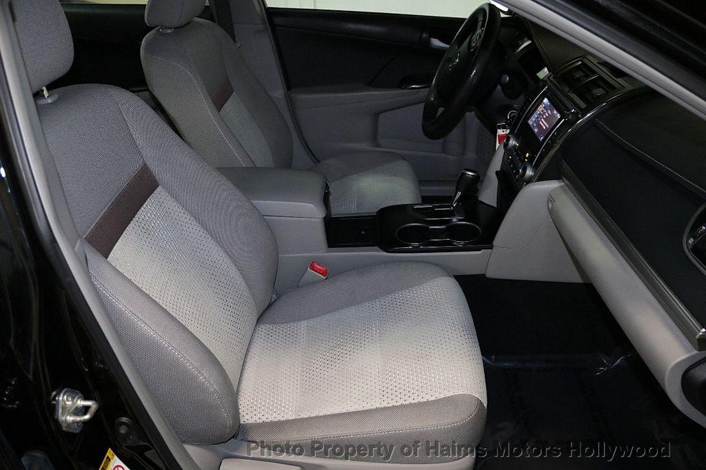 2013 Toyota Camry 4dr Sedan I4 Automatic LE - 17518575 - 13