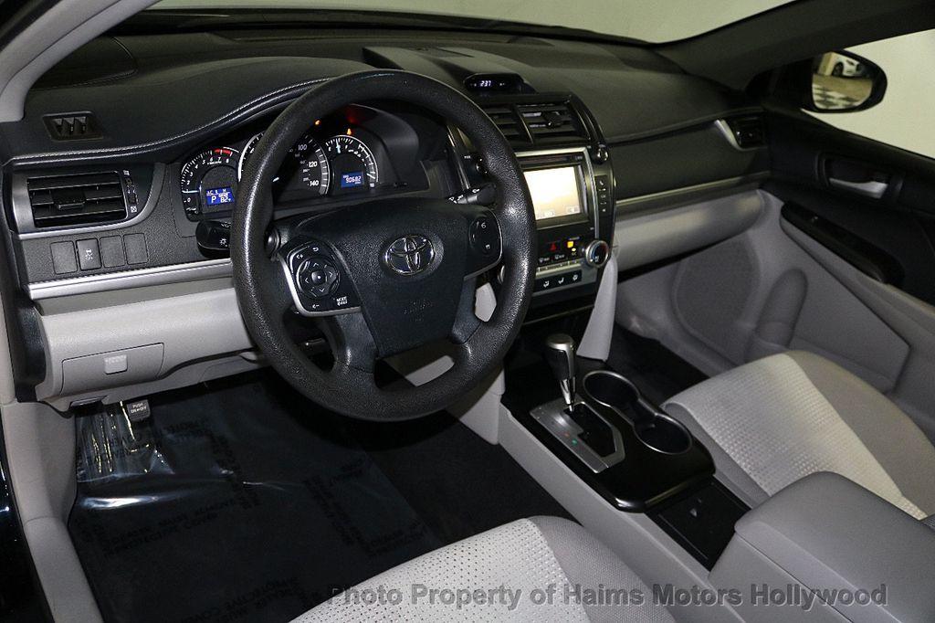2013 Toyota Camry 4dr Sedan I4 Automatic LE - 17518575 - 17