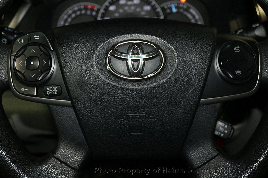 2013 Toyota Camry 4dr Sedan I4 Automatic LE - 17518575 - 24