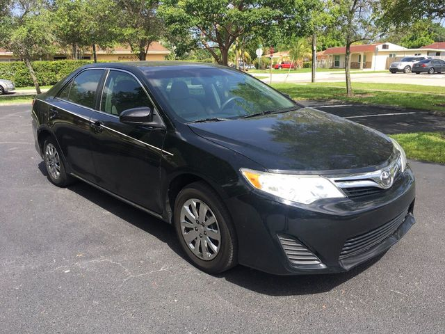 2013 Toyota Camry 4dr Sedan I4 Automatic LE - Click to see full-size photo viewer