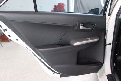 2013 Toyota Camry 4dr Sedan I4 Automatic SE - Click to see full-size photo viewer