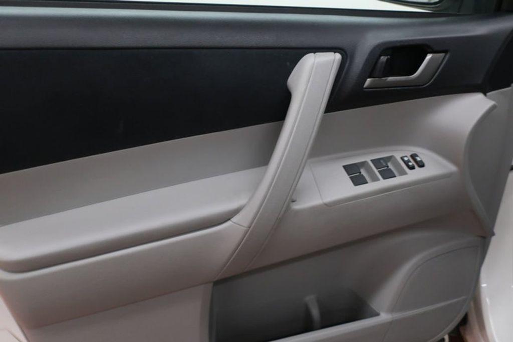 2013 Toyota Highlander 4DR FWD V6 XLE - 17198702 - 9