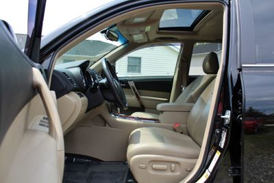2013 Toyota Highlander FWD 4dr V6  Limited - Click to see full-size photo viewer