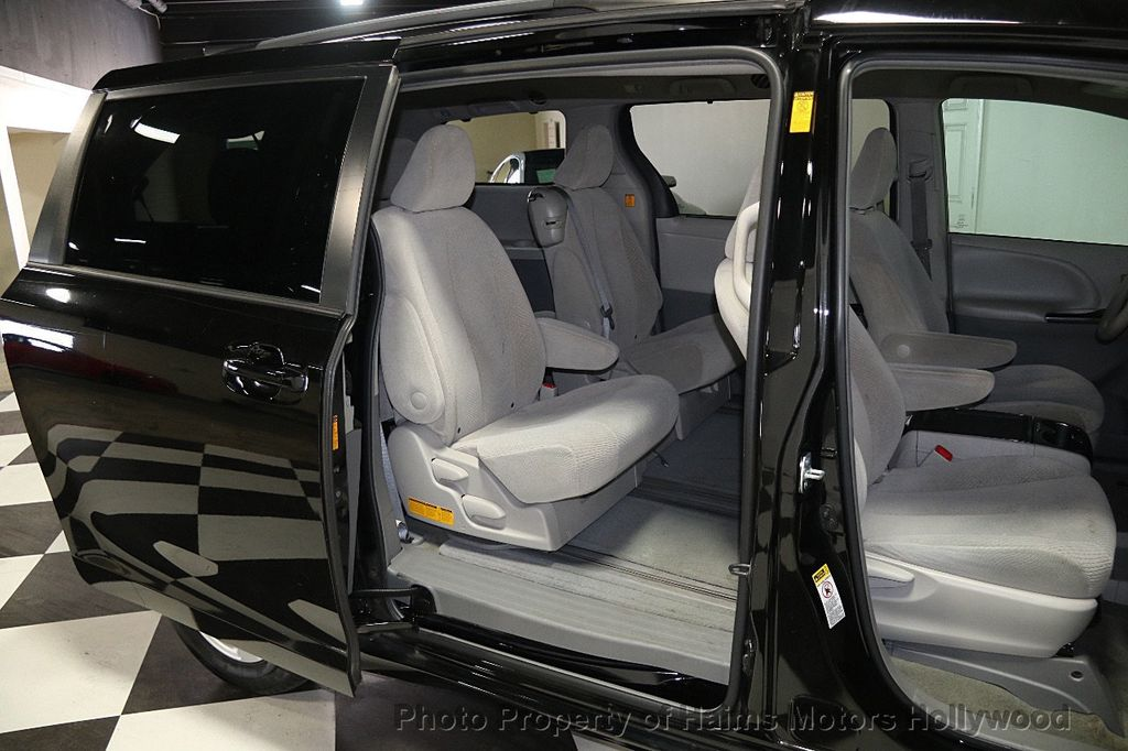 2013 used toyota sienna 5dr 8 passenger van v6 le fwd at. Black Bedroom Furniture Sets. Home Design Ideas