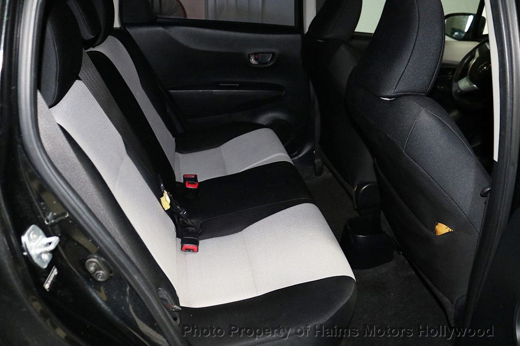 2013 Toyota Yaris 3dr Liftback Automatic LE - 18211099 - 14