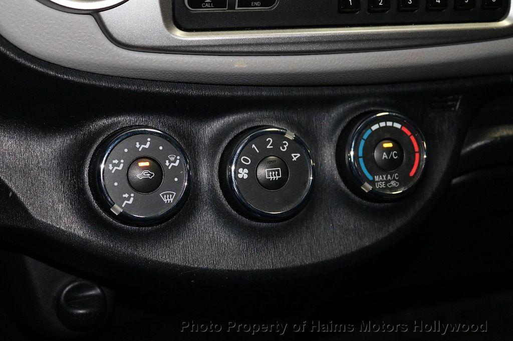 2013 Toyota Yaris 3dr Liftback Automatic LE - 18211099 - 20