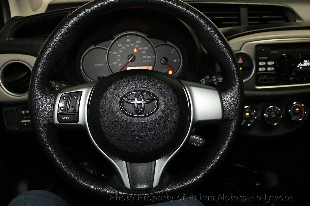 2013 Toyota Yaris 3dr Liftback Automatic LE - 18211099 - 24