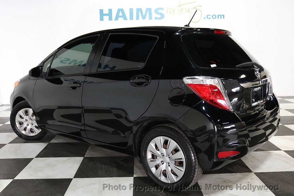 2013 Toyota Yaris 3dr Liftback Automatic LE - 18211099 - 4