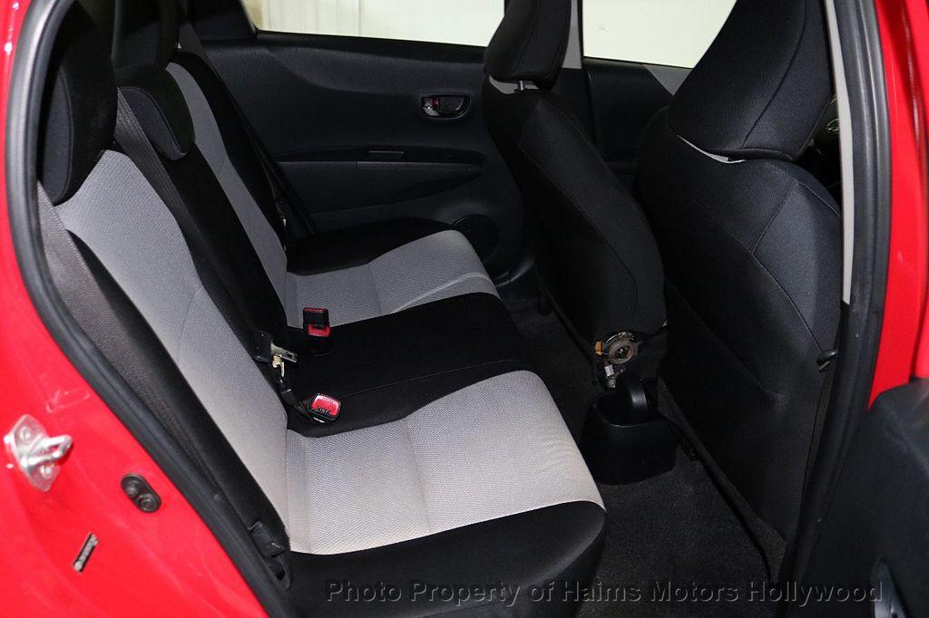 2013 Toyota Yaris 3dr Liftback Automatic LE - 18692695 - 14