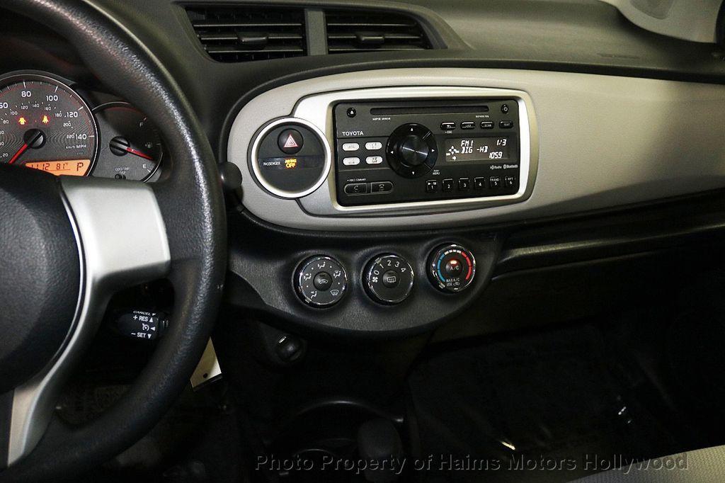2013 Toyota Yaris 3dr Liftback Automatic LE - 18692695 - 19