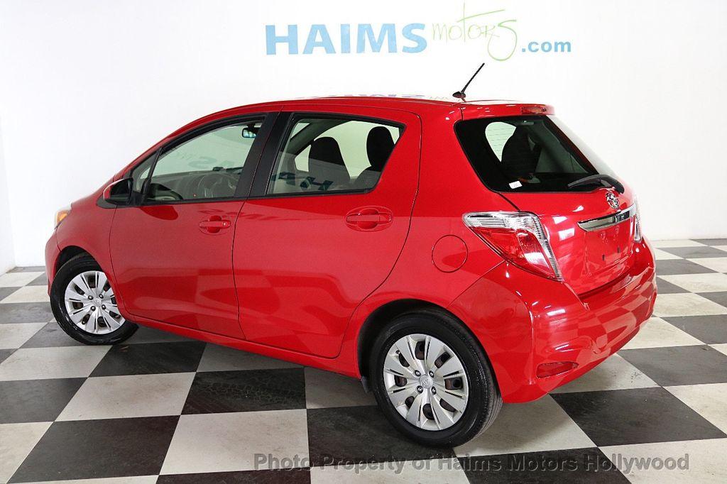 2013 Toyota Yaris 3dr Liftback Automatic LE - 18692695 - 4