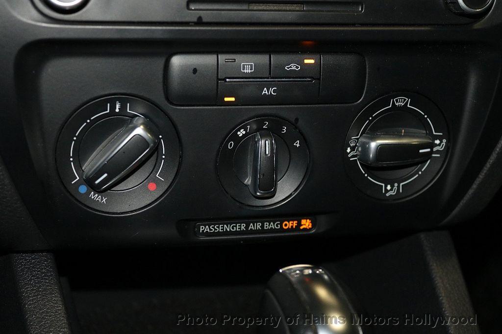 2013 Volkswagen GLI 4dr Sedan DSG - 17638861 - 20