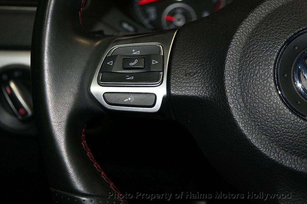 2013 Volkswagen GLI 4dr Sedan DSG - 17638861 - 23