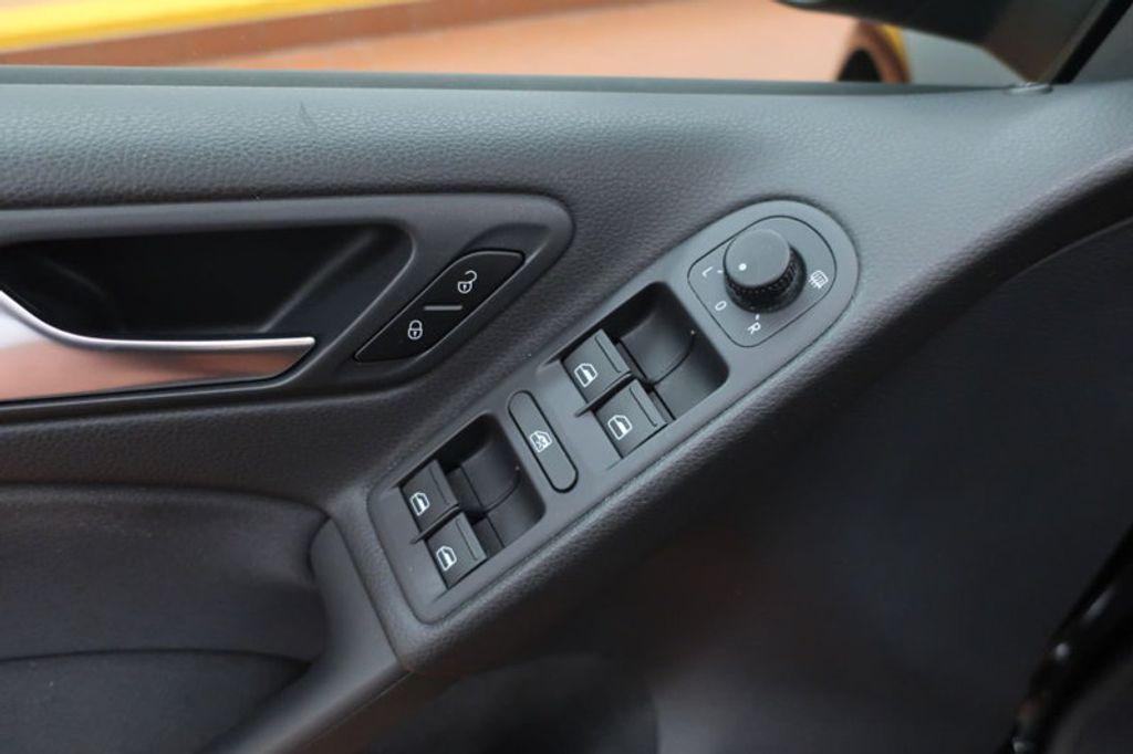 2013 Volkswagen Golf 4DR HB AT CONV PZEV - 17198698 - 11