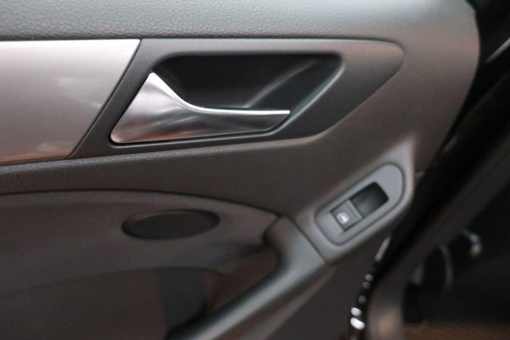 2013 Volkswagen Golf 4DR HB AT CONV PZEV - 17198698 - 19