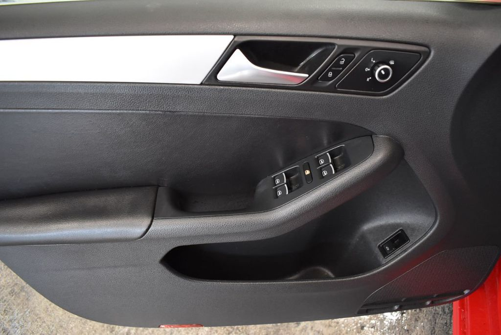 2013 Volkswagen Jetta Sedan 4dr Automatic S - 18268242 - 15