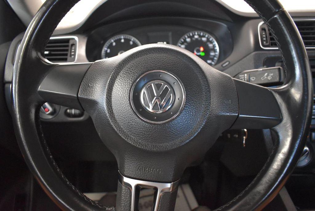 2013 Volkswagen Jetta Sedan 4dr Automatic S - 18268242 - 17