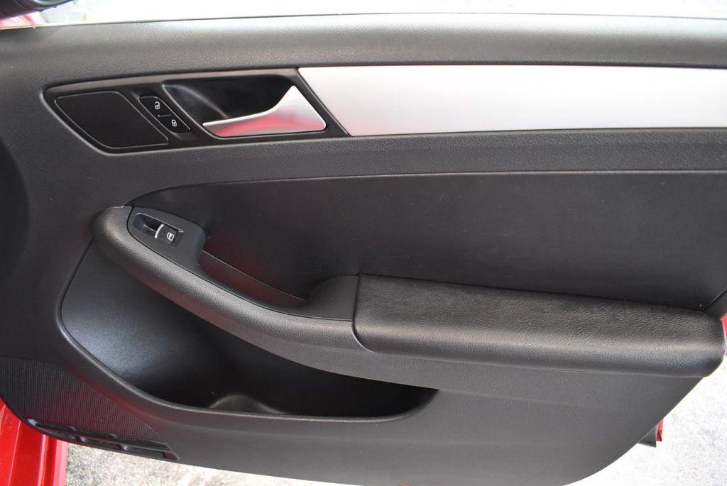 2013 Volkswagen Jetta Sedan 4dr Automatic S - 18268242 - 22