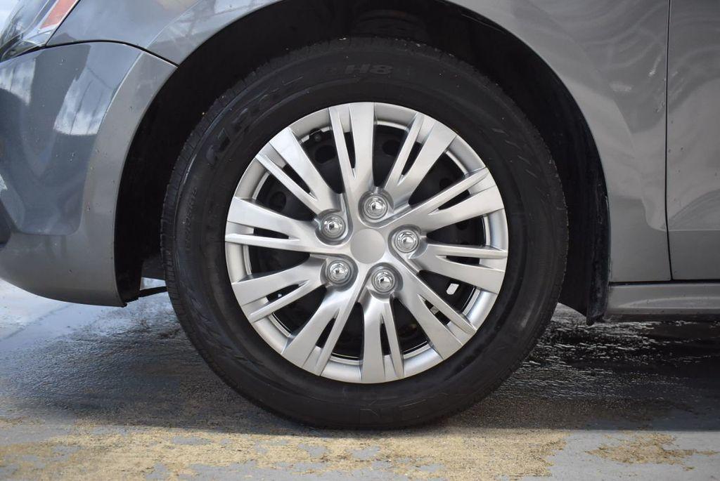 2013 Volkswagen Jetta Sedan S - 18250861 - 10