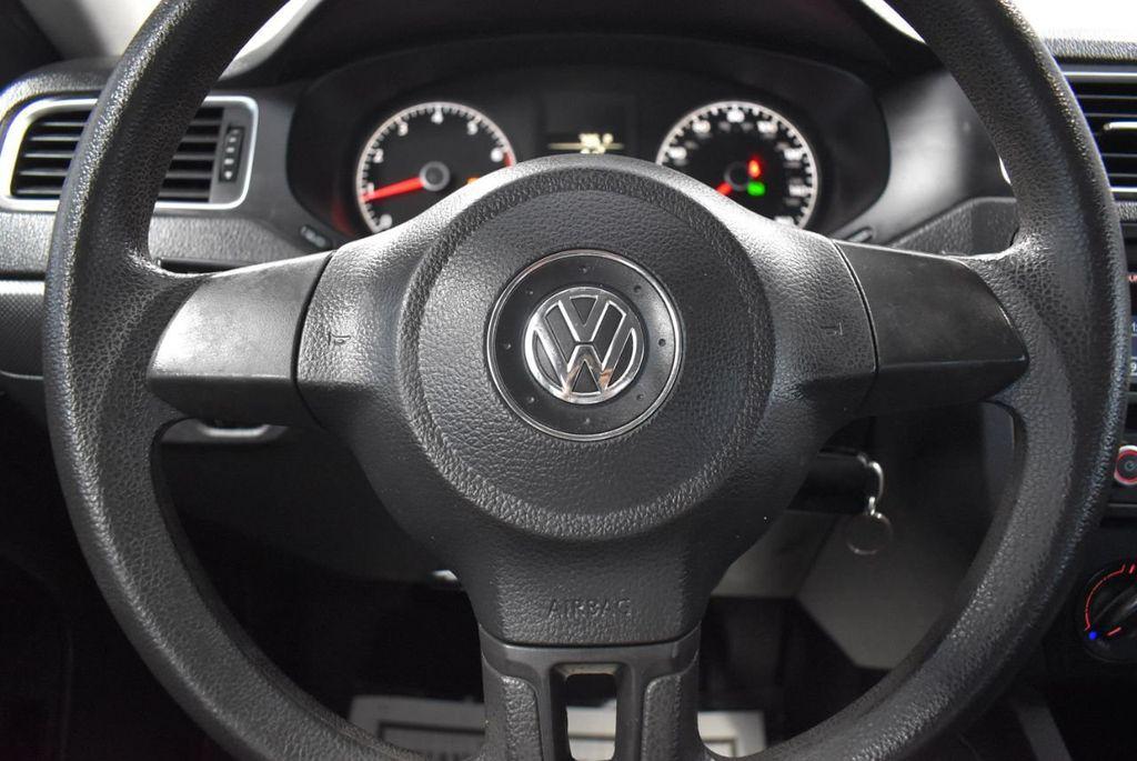 2013 Volkswagen Jetta Sedan S - 18250861 - 16