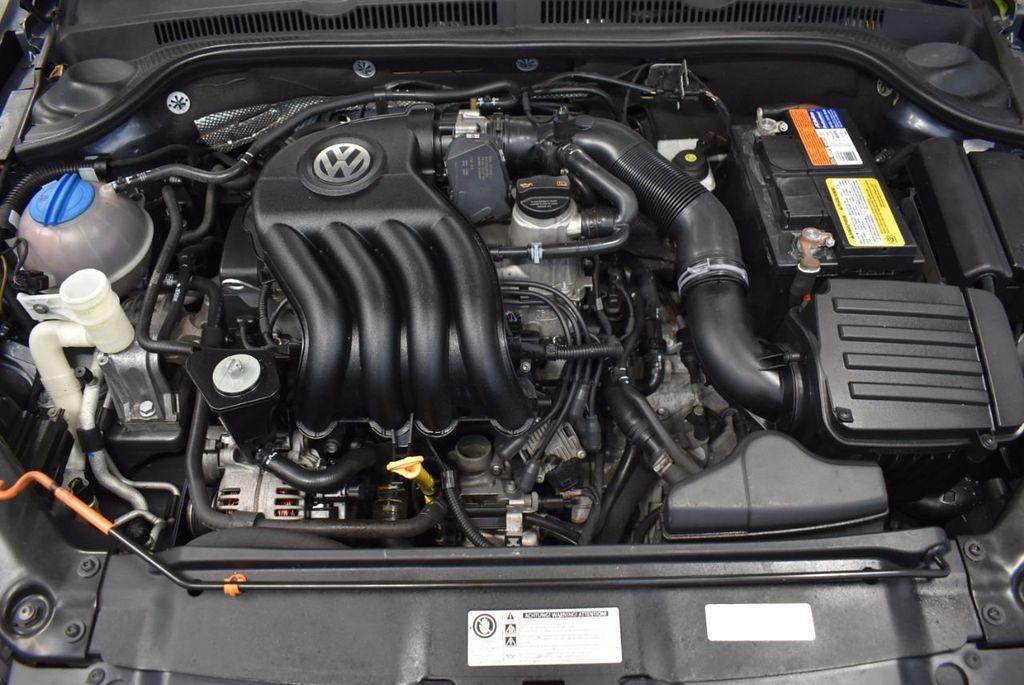 2013 Volkswagen Jetta Sedan S - 18250861 - 23