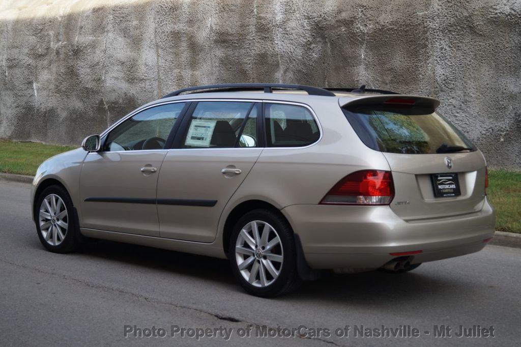 2013 Volkswagen Jetta SportWagen 2.0L TDI w/Sunroof  - 18203144 - 11