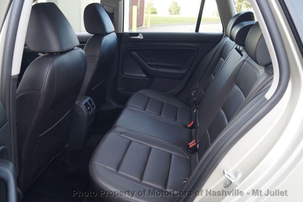 2013 Volkswagen Jetta SportWagen 2.0L TDI w/Sunroof  - 18203144 - 22
