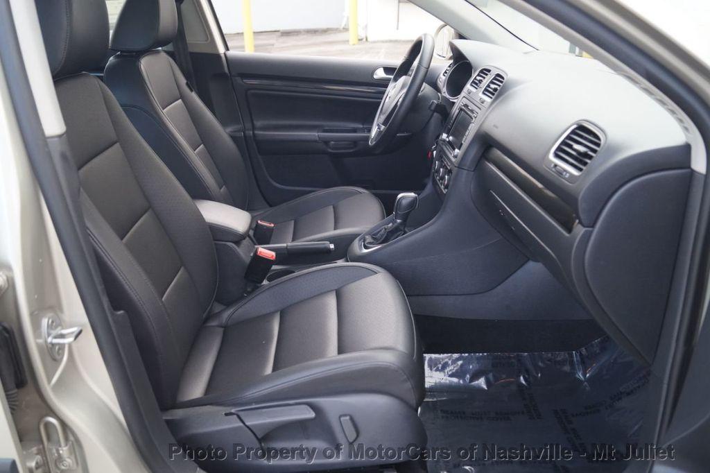 2013 Volkswagen Jetta SportWagen 2.0L TDI w/Sunroof  - 18203144 - 23