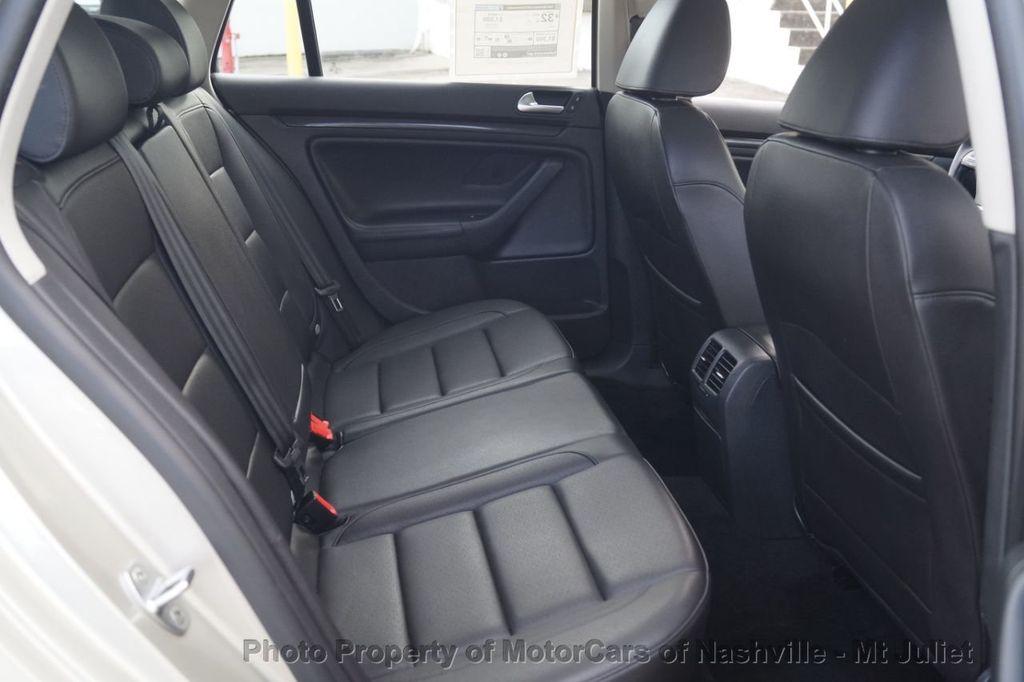 2013 Volkswagen Jetta SportWagen 2.0L TDI w/Sunroof  - 18203144 - 25