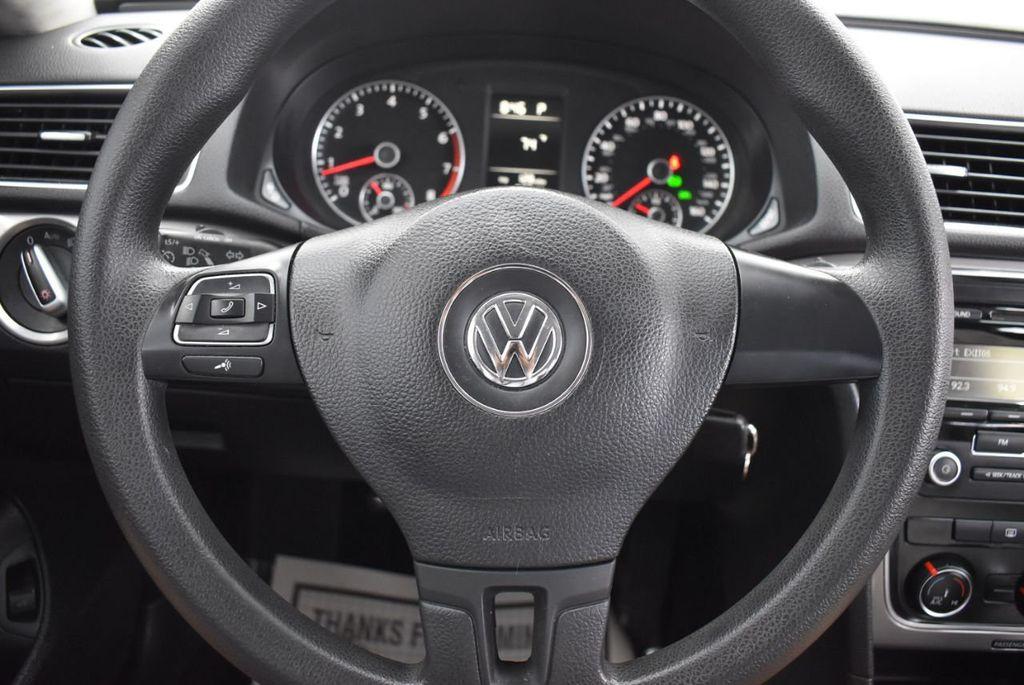 2013 Volkswagen Passat 4dr Sedan 2.0L DSG TDI SE w/Sunroof - 18378131 - 17