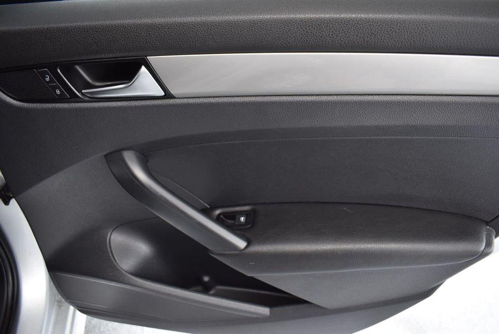 2013 Volkswagen Passat 4dr Sedan 2.0L DSG TDI SE w/Sunroof - 18378131 - 22