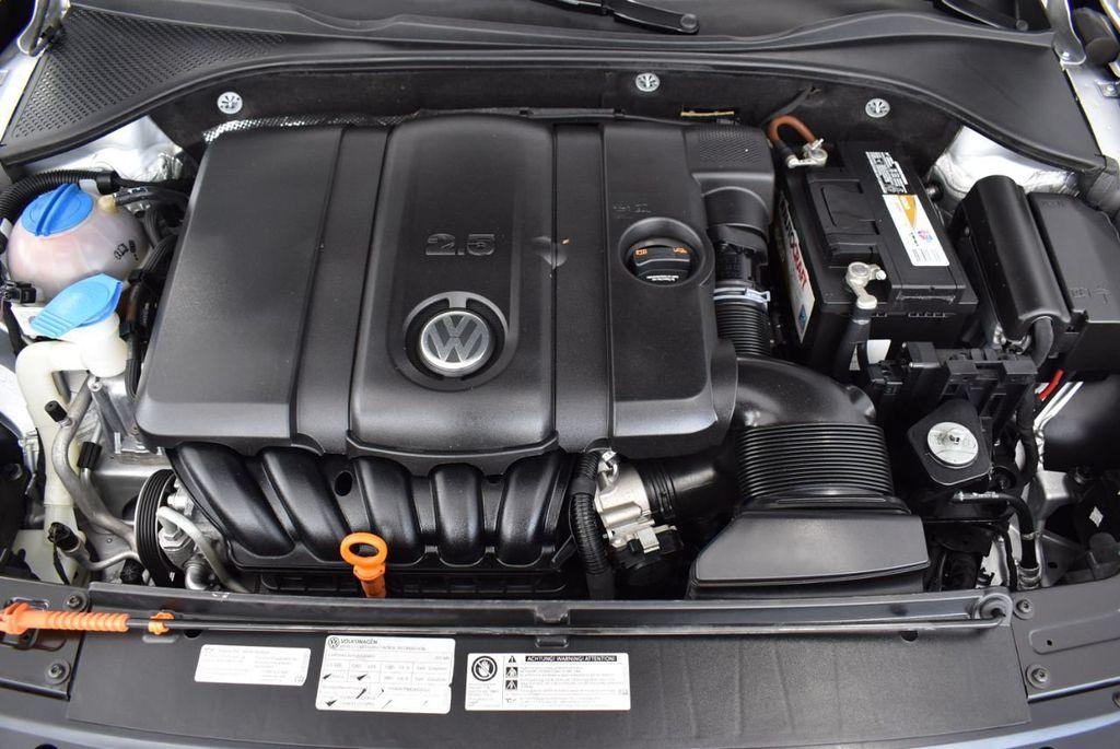 2013 Volkswagen Passat 4dr Sedan 2.0L DSG TDI SE w/Sunroof - 18378131 - 25