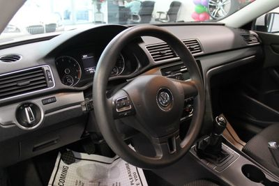 2013 Volkswagen Passat 4dr Sedan 2.5L Manual S PZEV - Click to see full-size photo viewer
