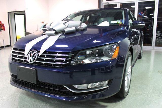 2013 Volkswagen Passat 4dr Sedan 3.6L V6 DSG SEL Premium