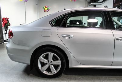 2013 Volkswagen Passat SE - Click to see full-size photo viewer