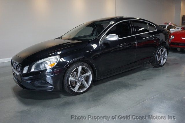 2013 Volvo S60 T6 R-Design Platinum AWD - Click to see full-size photo viewer